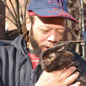 Brooklyn Man Reunited with Cat After Fire