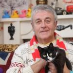Hero cat saves owner from dangerous gas leak