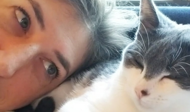 Mayim Bialik's New Kitty Makes Her Sunday